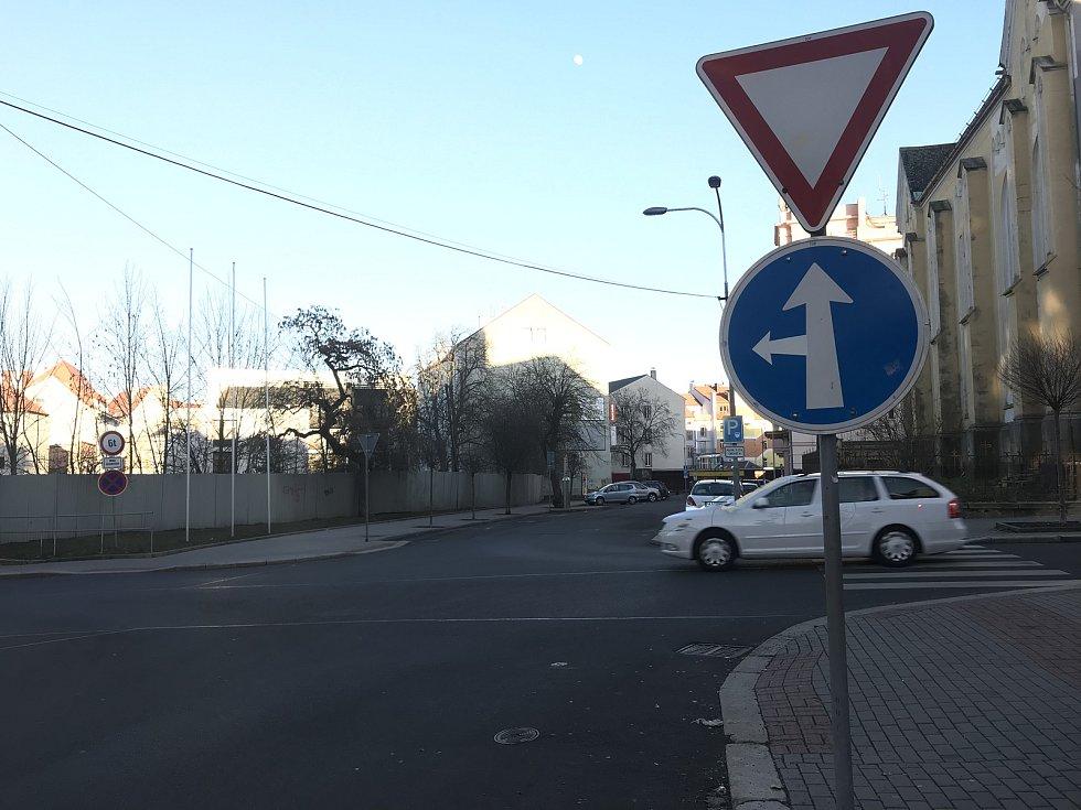 V centru Chebu se budou rekonstruovat části ulic 26. dubna, Obrněné brigády a Valdštejnova.