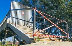 Lávka přes chebské nádraží je již od minulého roku kvůli bezpečnosti obyvatel města uzavřena.