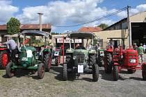 KAŽDÝ traktor byl svým způsobem jedinečný. Stroje se těšily velkému zájmu.