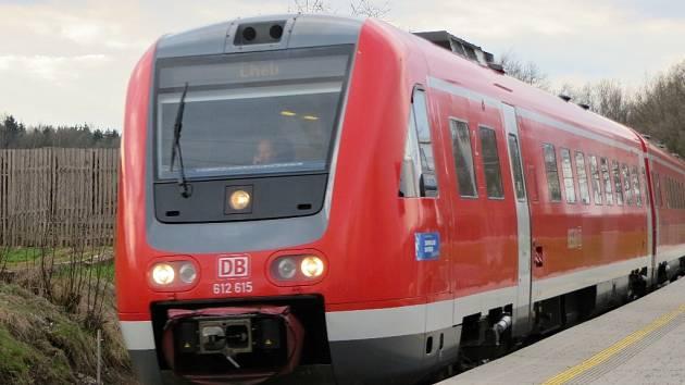 Elektrifikace trati by umožnila, aby vlaky mezi Chebem a Německem upalovaly rychlostí až 160 km/h.