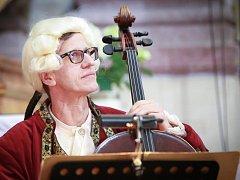 Kostelem ve Skalné se uskutečnil koncert barokní hudby.