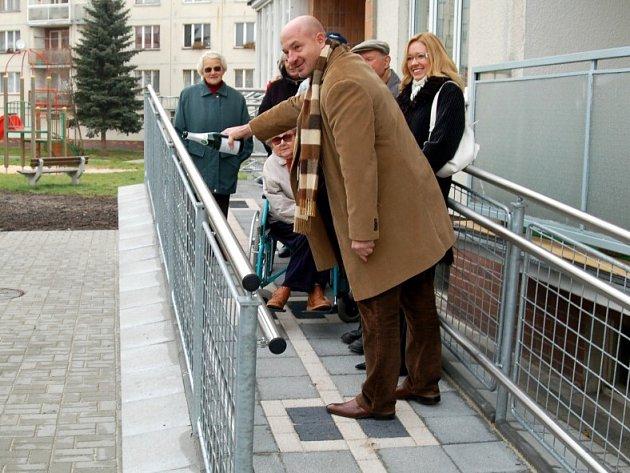 Františkolázeňští senioři se dočkali bezbariérového vstupu do domu pro seniory