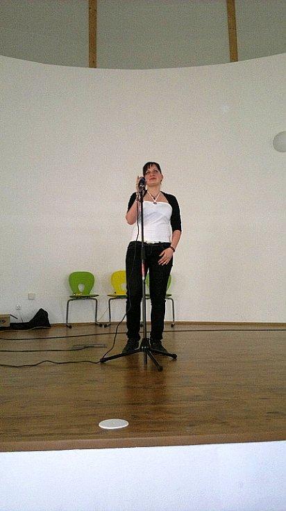 Žáci františkolázeňské školy se utkali o titul nejlepšího zpěváka.
