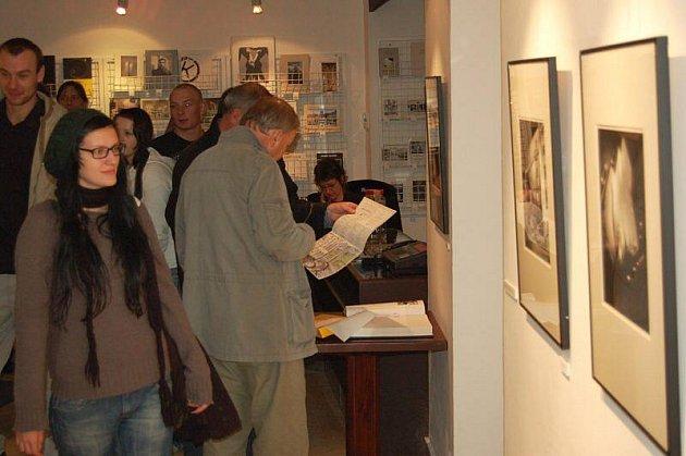Chebská Galerie 4 připravila další zajímavou výstavu.