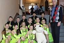 Mladí chebští tanečníci bodovali v Plzni na mistrovství regionu.