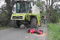 Lehká zranění utrpěl při středeční dopravní nehodě třicetiletý motocyklista.