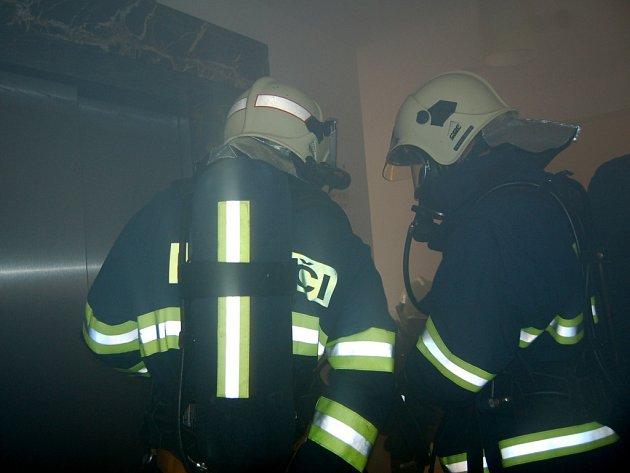 POPLACH V MARIÁNSKOLÁZEŇSKÉM hotelu sice tentokrát vyvolal elektronický systém zbytečně, ale hasiči jsou na podobné situace připraveni.