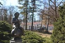 Socha Františka je známá.