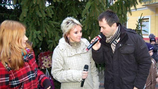 Slavnostní rozsvícení vánočního stromu ve Františkových Lázních a odměnění šikovných školáků