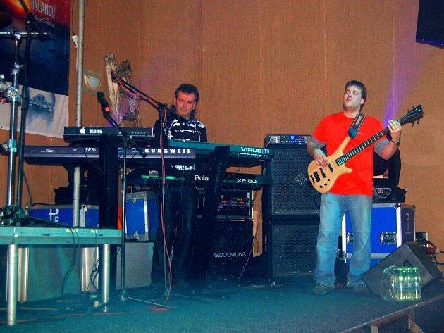 Koncert skupin Argema a 0609 v ašském Klubíčku
