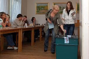 Volit přišli i pacienti, kteří jsou ubytovaní v lázeňských domech ve Františkových Lázních.