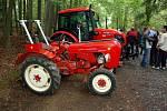 Tradiční součástí Hraničních slavností v Lubech he výstava historických trktorů