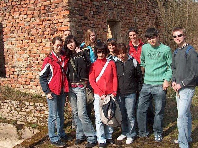 Ze zaniklé obce Krásná Lípa na Chebsku objevili gymnazisté jen torzo elektrárny