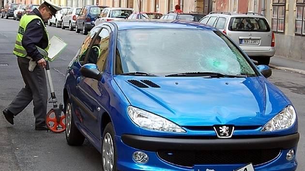 Německý řidič srazil v Chebu chodkyni