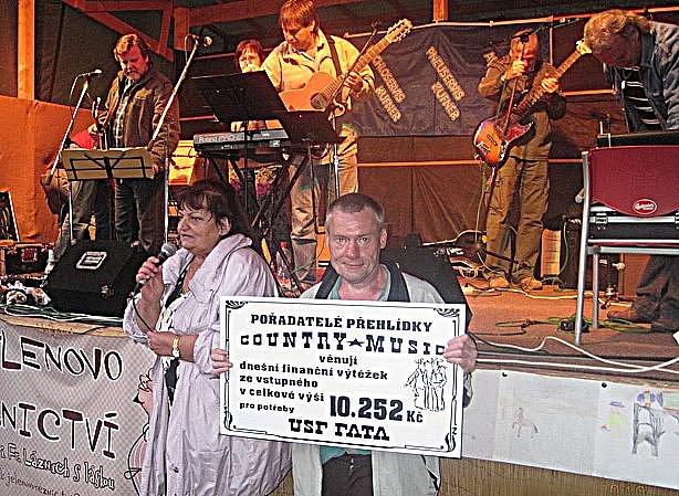 Velký františkolázeňský Country Fest se odehrál ve františklázeňském Přírodním divadle a pomohl potřebným.
