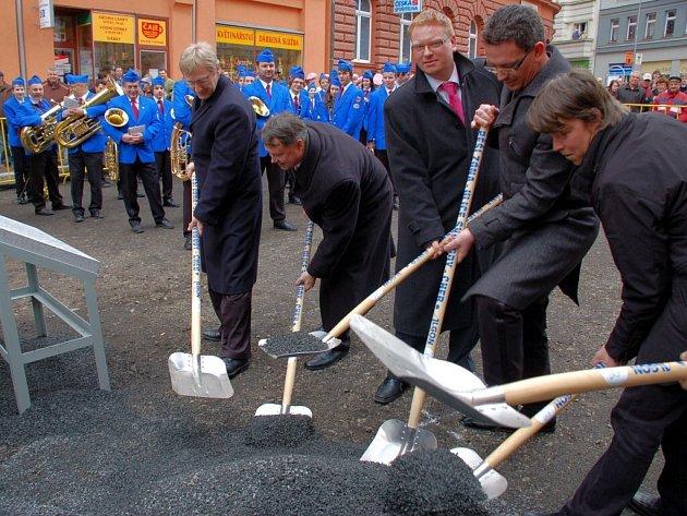 Slavnostní zahájení rekonstrukce pěší zóny v Chebu
