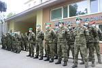 Poděkovat vojákům přišli nejen představitelé kraje a města, ale i občané Mariánských Lázní.