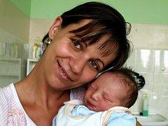 BRAJEN JUHASZ se narodil v neděli 20. září v pět hodin. Při narození vážil 3390 gramů a měřil 50 centimetrů. Šestiletý Kevin, dvanáctiletý Norbert a tatínek Norbert se těší  na návrat maminky Zuzany a malého Brajena domů do Staré Vody.