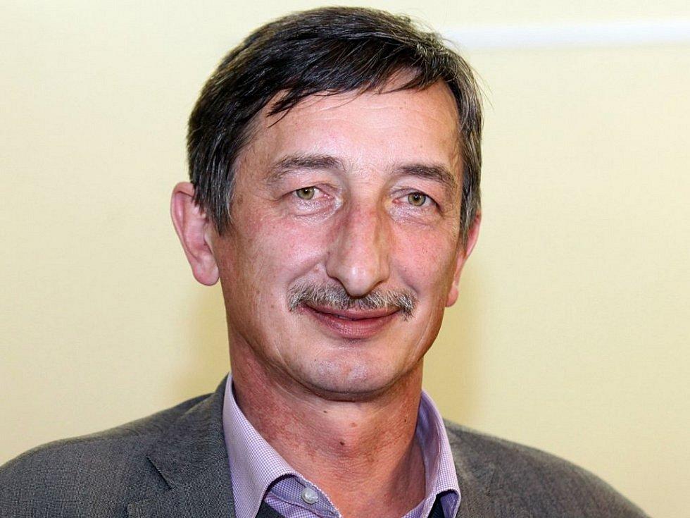 Miroslav Nenutil, 62 let, senátor, Stříbro, ČSSD.