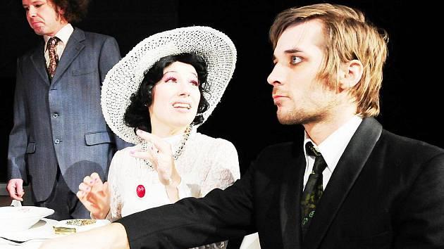 Pane, vy jste vdova! Právě tato hra bude tou první, která zahájí padesátou divadelní sezónu Západočeského divadla Cheb.