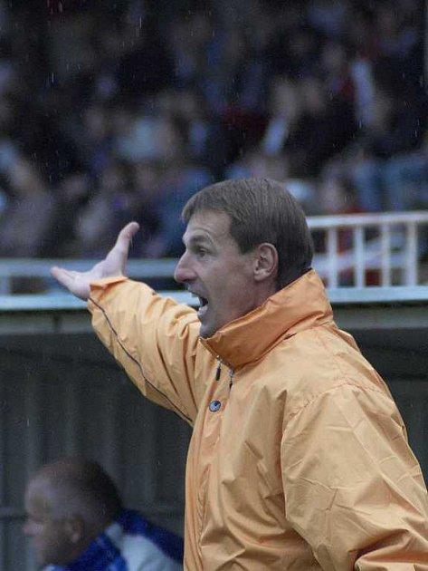 František Straka při trenérské práci