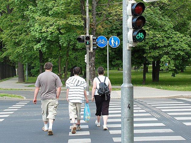Společný přechod pro chodce a cyklisty v Chebu