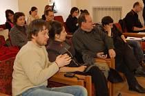 Součástí mezinárodního divadelního festivalu Quartet Vize Evropy v Chebu byla i rozprava na téma financování kultury, která se konala v obřadní síni chebské radnice v pátek 27. března