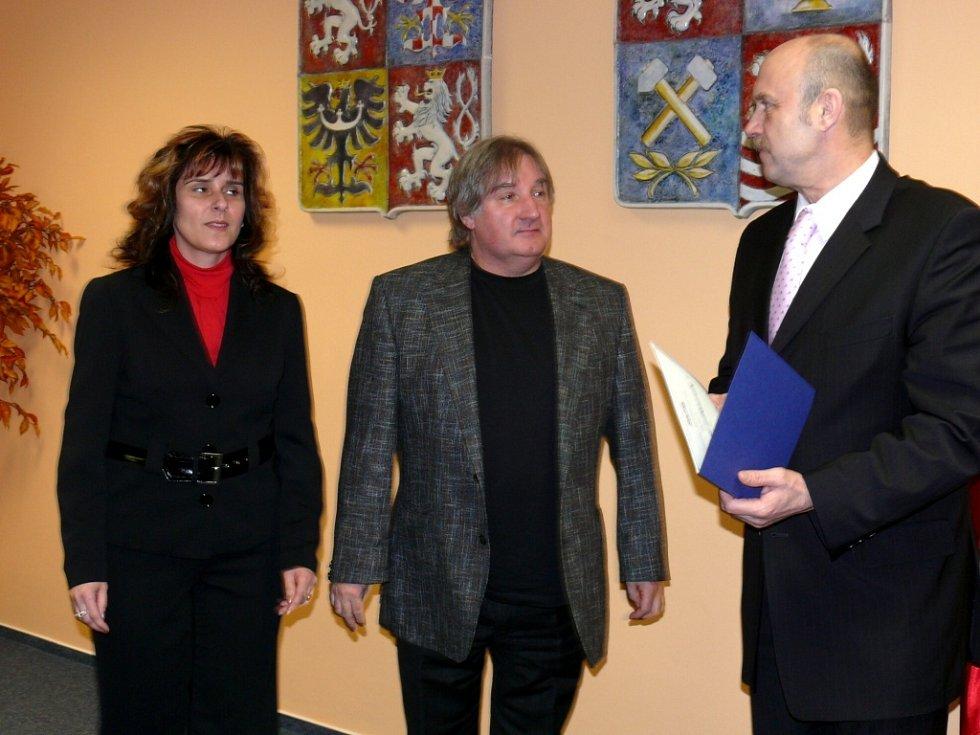 Milan Illek, podnikatel z Mariánských Lázní (uprostřed)