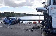 Tragická nehoda na silnici hráze jesenické přehrady v Chebu