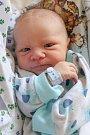 JAROSLAV ZÁDRAPA se poprvé rozkřičel v pondělí 11. září v 11.27 hodin. Při narození vážil 3 120 gramů. Doma v Aši se z malého Jarouška těší bratr, maminka Kateřina a tatínek Jaroslav.