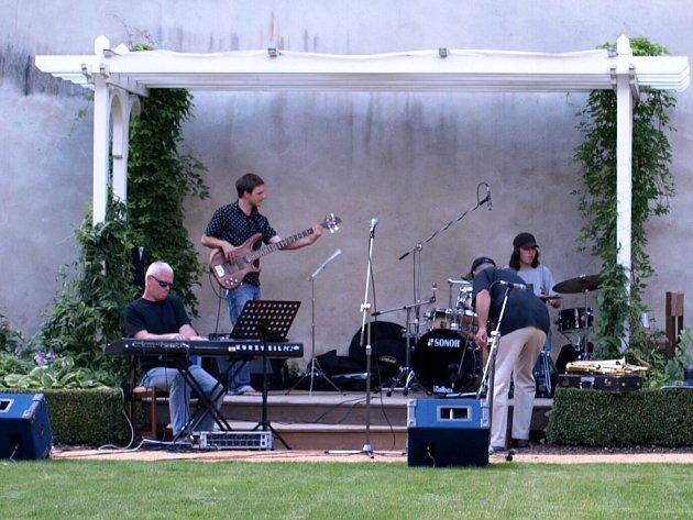 Koncert MK Bandu v chebské Klášterní zahradě