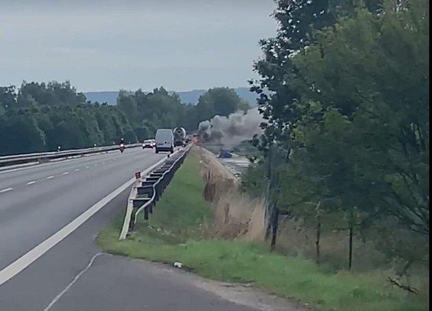 Nehoda na přehradě nádrže Jesenice, jak ji zachytila a zveřejnila na Facebooku Hana Pémová