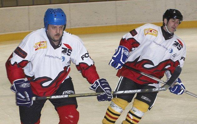 První ročník hokejového Hrášek Cupu vyhrála stará garda Sokolova