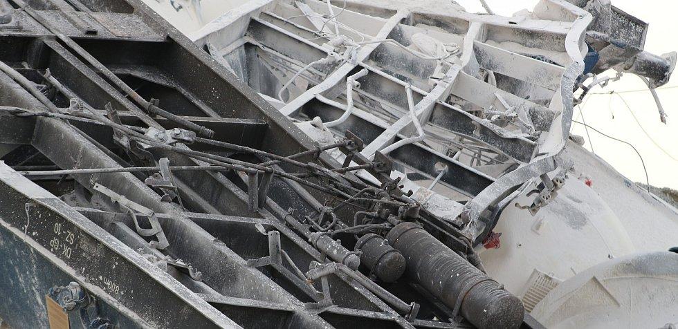 Železniční nehoda poblíž Mariánských Lázní se stala v úseku, kde vlaky jezdí kvůli stavbě mostu po náhradní koleji.