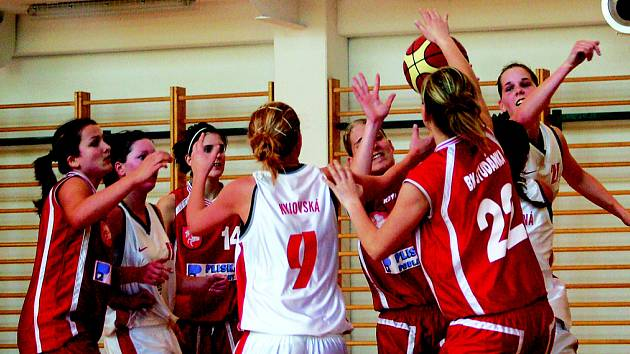 Ilustrační foto ze zápasu dorostenek BCM Sokolov