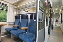 Zmodernizované vozy Českých drah začaly jezdit na trati Cheb Praha.