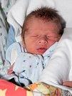 KRYŠTOF SLADKÝ si poprvé prohlédl svět ve středu 16. prosince v 9.55 hodin. Při narození vážil 2 900 gramů a měřil 51 centimetrů. Z malého Kryštůfka se těší doma v Chebu sestřička Kristýnka spolu s maminkou Lucií a tatínkem Jiřím.