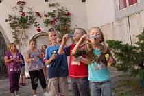 Užít si plno legrace a ještě zábavnou formou načerpat znalosti o starých řemeslech a  chebské loutkářské tradici. Kde? Přeci na sedmém ročníku ´Letní výtvarné dílny v muzeu´.