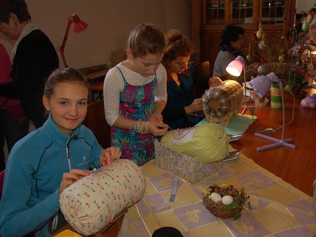 Velikonoční paličkování