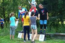 Závodníci se podívali také ke sluji proslulého lupiče Grassela.