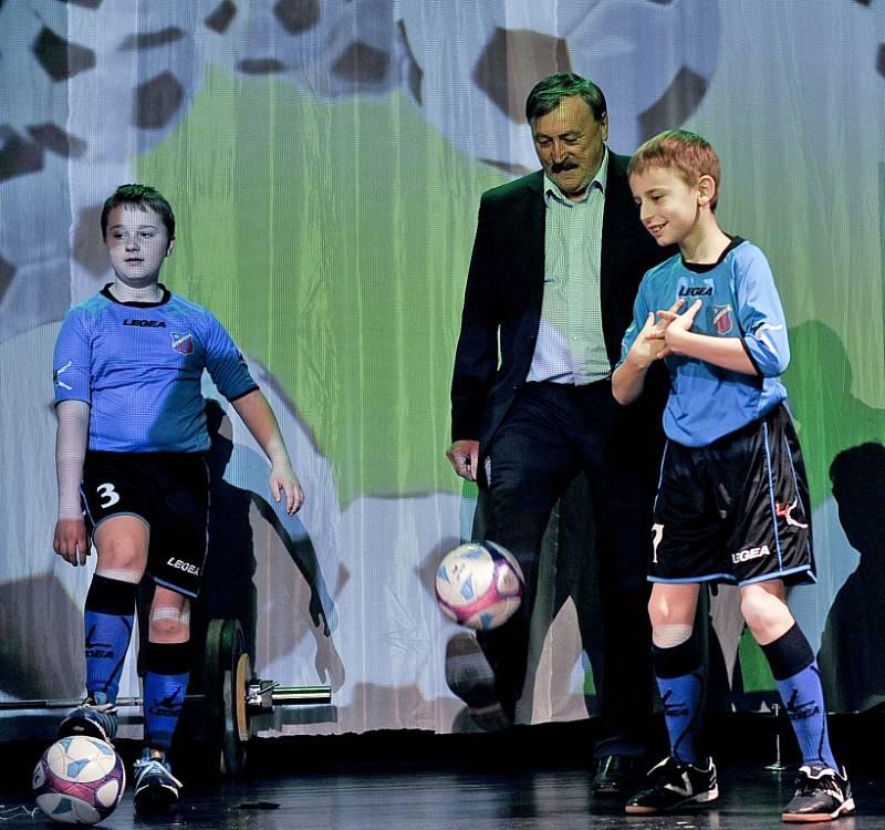 Fotbalová exhibice a vyhlášení nejúspěšnějších sportovců přinesly nevšední zážitek