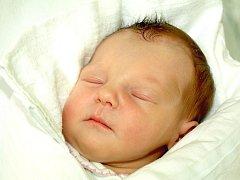 KATEŘINA ULDRICHOVÁ bude mít v rodném listě datum narození v pátek 1. července v 9.31 hodin. Na svět přišla s váhou 2850 gramů a mírou 48 centimetrů. Maminka Michaela a tatínek Petr se radují z malé Kateřinky doma v Aši.