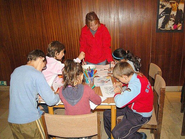 DĚTI si o víkendu zahrály na Eskymáky. V chebském Produkčním centru se konala akce s názvem Hurá k Eskymákům, která zaujala především ty nejmenší.