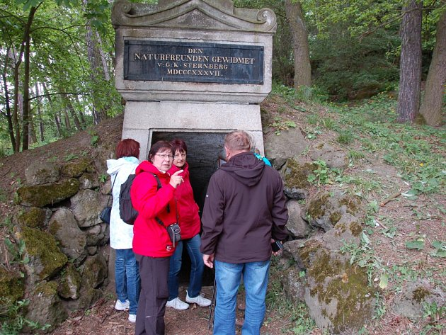 Zpřístupnit 180 let starou Goethovu štolu ve vyhaslé sopce Komorní hůrka u Chebu chce Geofyzikální ústav v Praze.