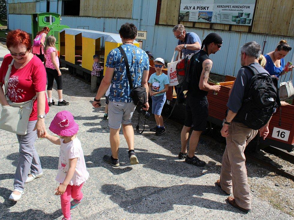 I letos si mohou lidé vychutnat jedinečné jízdy na úzkokolejce nedaleko přírodní rezervace Soos. V loňském roce přepravily vláčky několik stovek lidí.