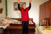 Chebská seniorka Jana Hlaváčková pravidelně cvičí.
