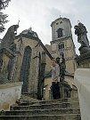 Maketa věže ve výloze chebského infocentra