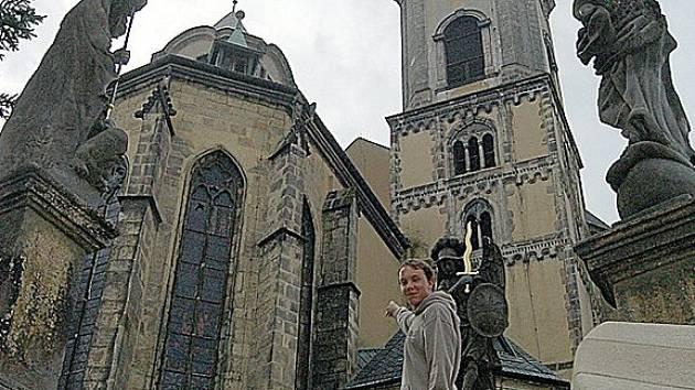 Věže chrámu svatého Mikuláše v Chebu čekají na dostavbu