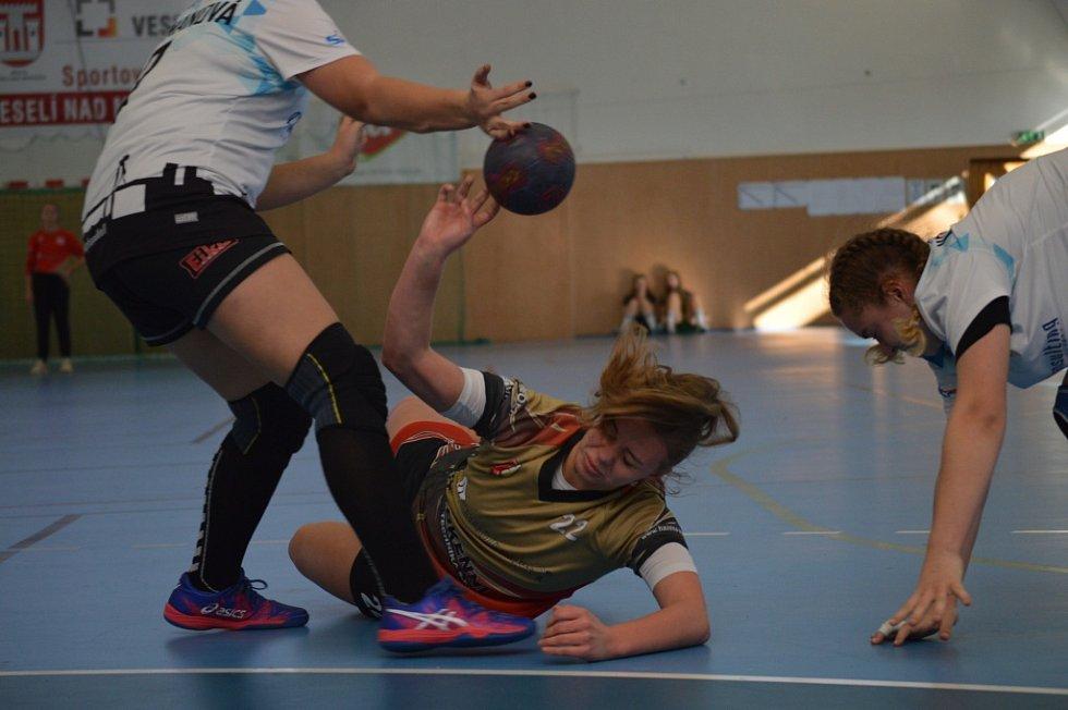 Starší žákyně Házené Kynžvart na kvalitně obsazeném turnaji.