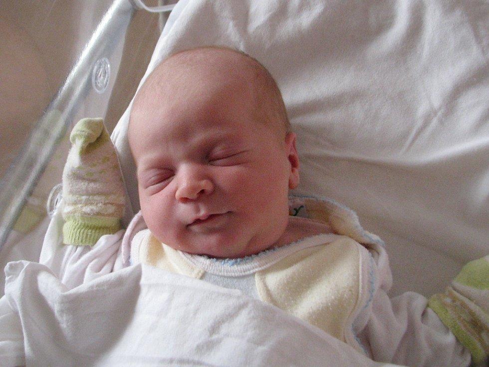 KATEŘINA JANOVSKÁ se narodila 2. dubna ve 2.56 hodin ve Fakultní nemocnici v Plzni. Při narození vážila 3 630 gramů a měřila 51 centimetrů. Na světě ji přivítali rodiče Daniela a Jindřich Janovských z Brtné u Dolního Žandova. Doma se na sestřičku těší tří